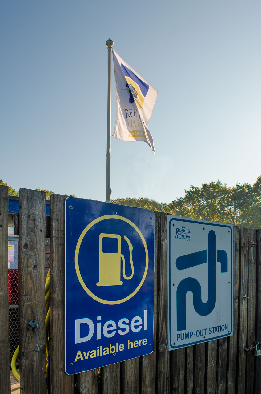 diesel and pump out reedley marina